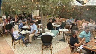 شاهد: ولاية كاليفورنيا تفتتح أول مقهى للماريجوانا