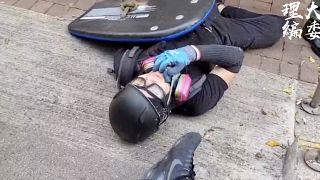 """Hong Kong : un manifestant blessé durant la """"journée de chagrin"""""""