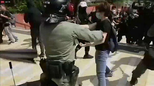 Протесты в Гонконге: демонстрант получил огнестрельное ранение