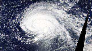 Hurrikán tart Európa felé
