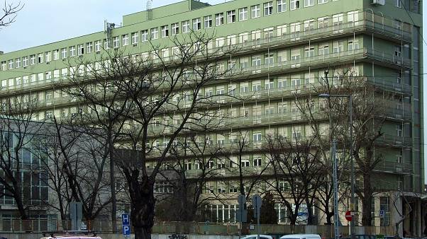 A Péterfy Sándor utcai Kórház, Rendelőintézet és Baleseti Központ sürgősségi ellátó épülete a főváros VIII. kerületében, a Fiumei úton.