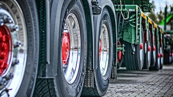 Dutch farmers demanding more respect cause 'busiest rush hour ever' in the Netherlands