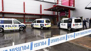 Terreur dans un lycée de Finlande : un homme tue et blesse avec un sabre