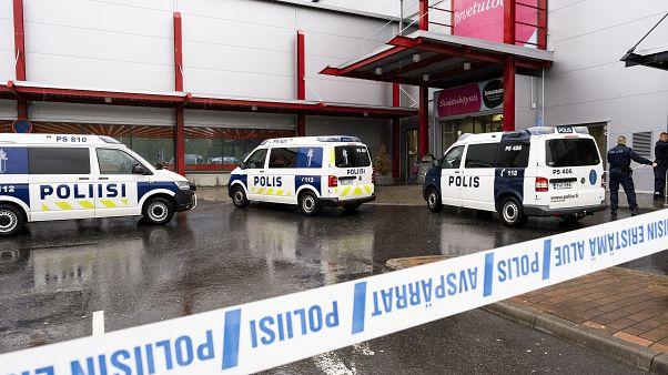 Finlandiya'da okulda kılıçlı saldırı: 1 ölü, 10 yaralı