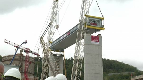 Watch: First section of new replacement Genoa bridge is installed