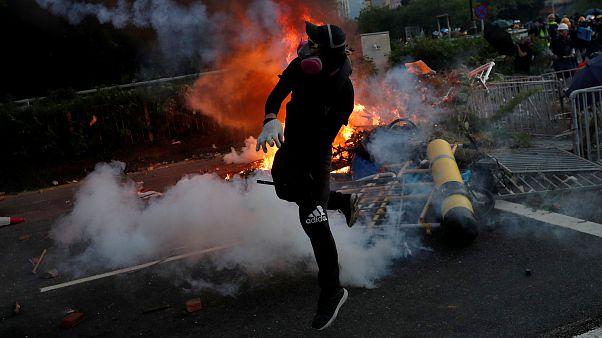 Hong Kong : un manifestant blessé par balle