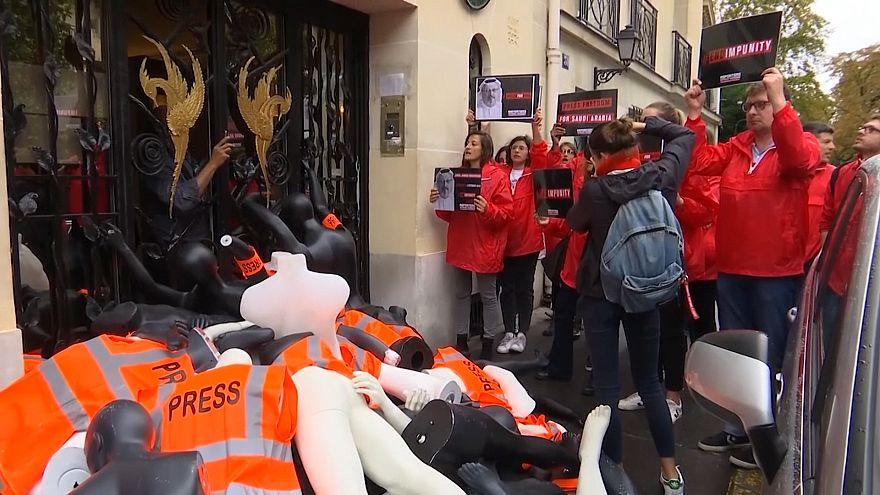 French activists stage stunt at Saudi consulate over Khashoggi killing