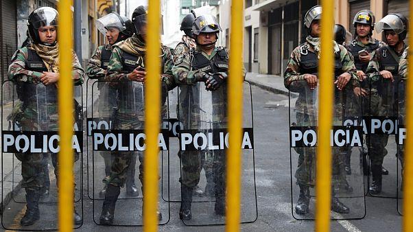 Peru: Parlamentsauflösung sorgt für Proteste