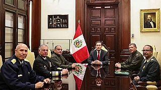 Apoyo de las Fuerzas Armadas al Presidente de Perú, a pesar de su suspensión parlamentaria