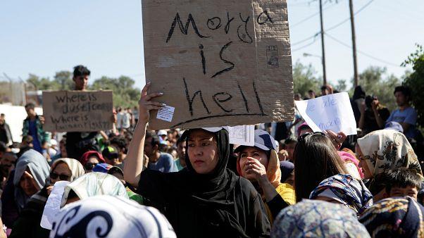 """Morya kampında göçmen protestosu: """"Morya bir cehennem, güvenlik ve özgürlük istiyoruz"""""""