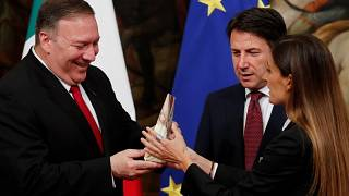 The woman confronted Pompeo at a photo opportunity with Conte.
