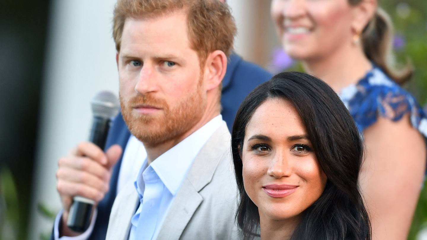 meghan markle sues british tabloid as prince harry warns of powerful forces euronews euronews