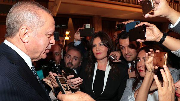Türkiye Cumhurbaşkanı Recep Tayyip Erdoğan, 27. Dönem 3. Yasama Yılı'nın açılışı dolayısıyla TBMM'de verilen resepsiyona katıldı.