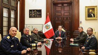 Peru'da kuvvet komutanları, Devlet Başkanı Martin Vizcarra'ya desteklerini bildirdi