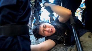 Hong Kong'da 1 Ekim gösterilerinin bilançosu: 100 yaralı, 180'den fazla gözaltı