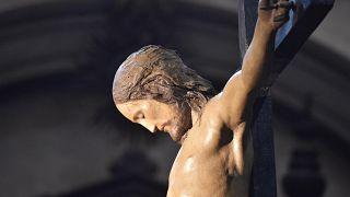 Michelangelo által készített feszület egy római templomban