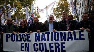 Paris'te eylem için sokağa çıkma sırası polislerde