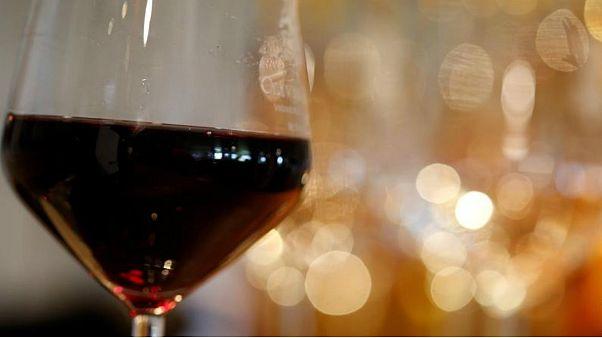 آمریکا بر ویسکی، شراب و پنیر اروپا ۲۵ درصد تعرفه وضع کرد