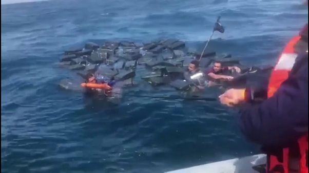 Спасение утопающих контрабандистов
