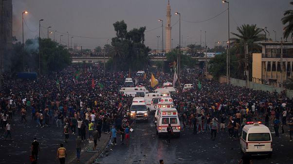 Irak'ın başkenti Bağdat'ta hükümet karşıtı gösteriler düzenleniyor
