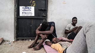Wem hilft das UNHCR in Libyen, Flüchtlingen oder Staaten?