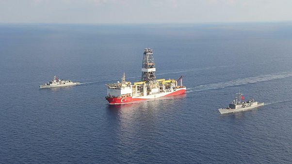 Με NAVTEX και εντάλματα σύλληψης απαντά η Κύπρος στο «Γιαβούζ»