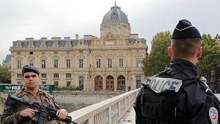 حمله با چاقو به مقر پلیس در پاریس؛ مرد مهاجم ۴ مامور را کشت