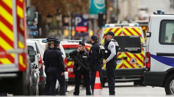 Quatro pessoas mortas em ataque com faca em Paris