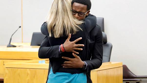 """""""Darf ich sie bitte umarmen"""": 18-Jähriger vergibt nach Tod des Bruders"""