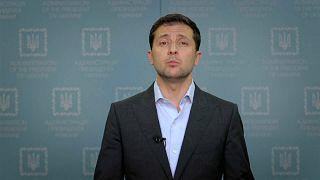 Zelenski defiende su plan para el Donbás