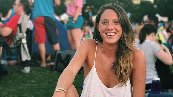 Emily Clow, iş başvurusunda bulunduğu şirket tarafından bikinili fotoğrafı nedeniyle işe alınmadı