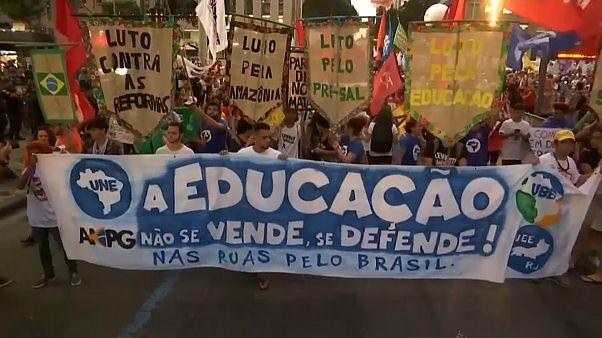 Contestação a Bolsonaro nas ruas do Rio de Janeiro e São Paulo