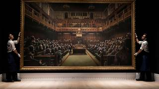 İngiliz milletvekillerini şempanze olarak tasvir eden tablo 9.8 milyon sterline satıldı