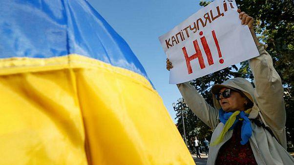 آیا ولودیمیر زلنسکی اوکراین را به آغوش روسیه باز میگرداند؟