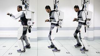 Hoffnung für Querschnittsgelähmte: Laufen dank Exoskelett