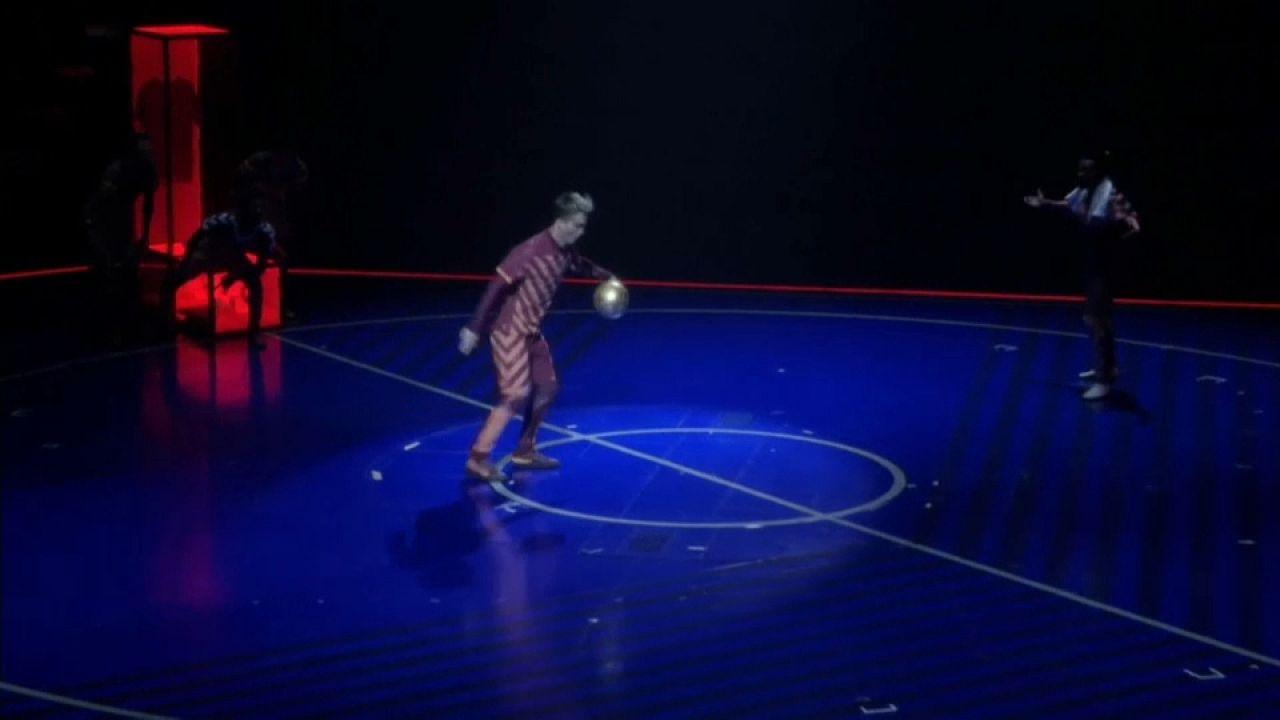 La magia de Messi en el Circo del Sol