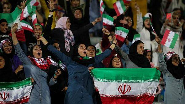 نخستین حضورِ آزاد در آزادی؛ زنان ایرانی بدون گزینش بلیط تماشای فوتبال خریدند