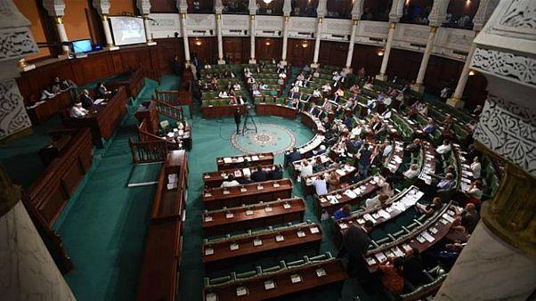 تحدياتٌ بانتظار البرلمان التونسي الجديد.. تعرّف على أبرزها