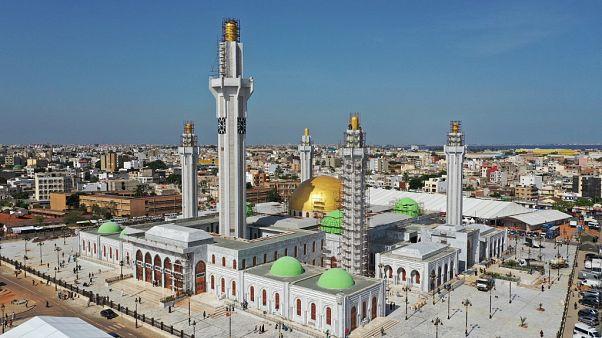 شاهد: مسجد الطريقة المريدية الصوفية الأكبر في غرب أفريقيا