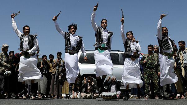 عربستان در حال بررسی احتمال آتش بس در یمن است