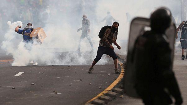 Ausschreitungen in Ecuador: Über 300 Festnahmen