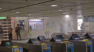 A Hong Kong vietate le maschere