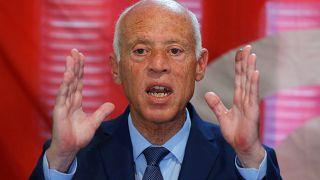قيس سعيد يقرر عدم القيام بحملته للانتخابات الرئاسية بسبب توقيف منافسه