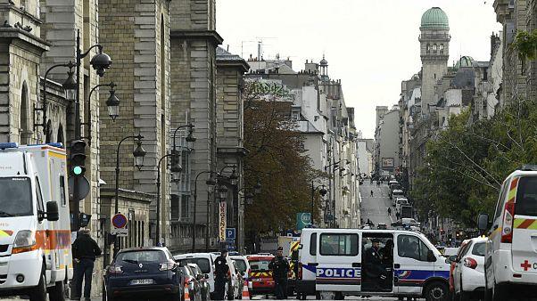دادستان پاریس: مهاجم حمله مرگبار به مرکز پلیس پاریس به یک جریان اسلامگرای افراطی گرویده بود