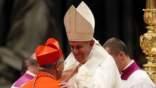 Papa Francisco o entretanto já investido cardeal Tolentino de Mendonça