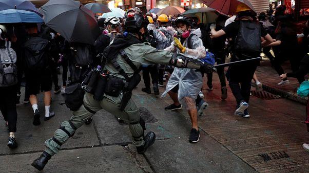 Erneute Eskalation in Hongkong: Tränengas und Gummigeschosse