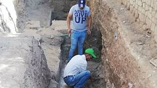 Mısır'da kanalizasyon kazarken 2 bin 200 yıllık tapınak keşfedildi
