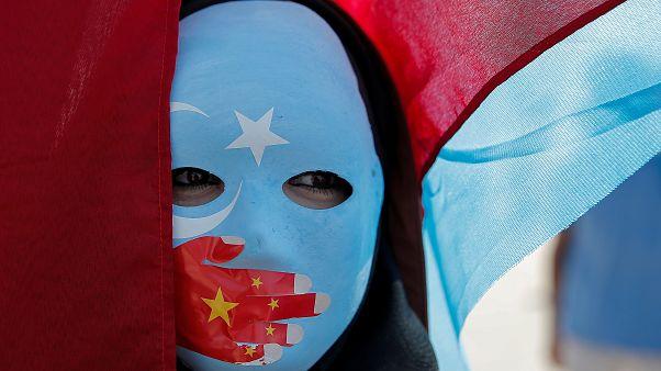 'Tecavüz sıradan, ağlamak yasaktı': Uygur Türkü kadın Çin'de toplama kampında yaşadıklarını anlattı