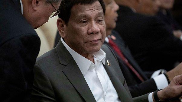 Duterte: Gözkapağım kronik sinir ve kas rahatsızlığım nedeniyle düşüyor