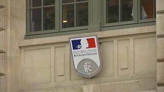 Párizsi késelés: vannak rendszerszintű hibák, ismerte el a belügyminiszter